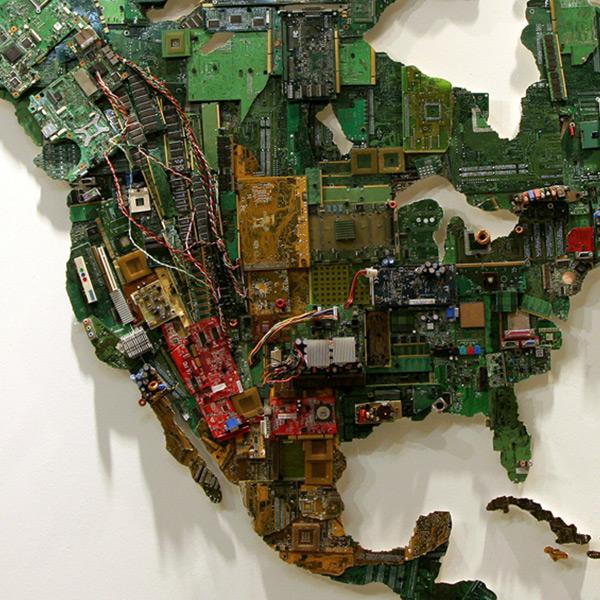 Mapa Del Mundo Hecho Con Materiales Reciclados De